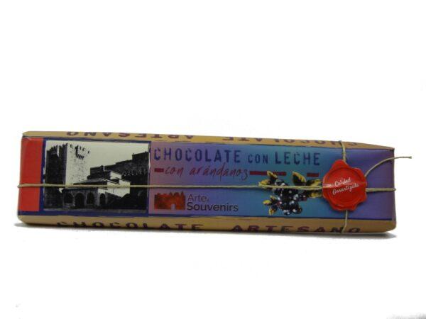 chocolate con leche con arandanos