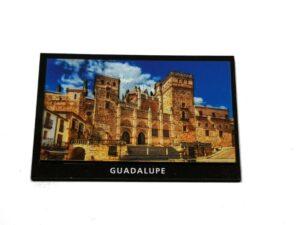 Imán de DM con relieve Monasterio de Guadalupe
