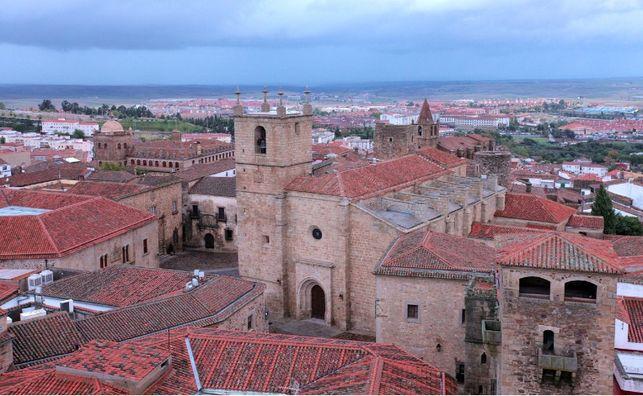 Cáceres busca redefinirse como un destino turístico libre de aglomeraciones y prepara un comité de crisis